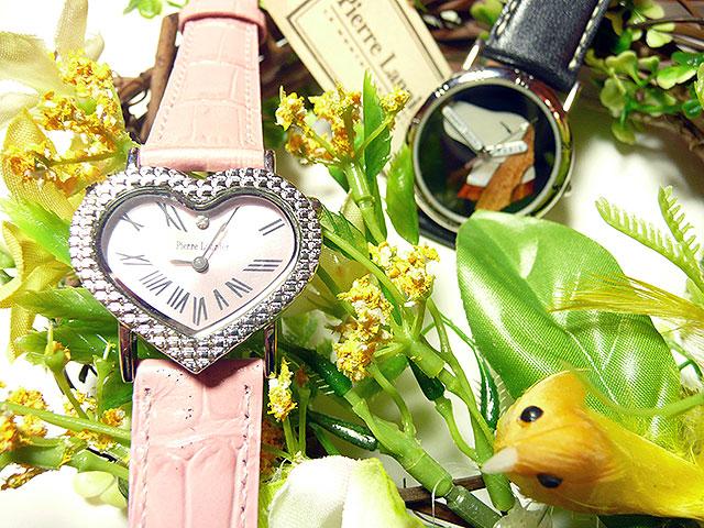 ハートの時計と犬の時計